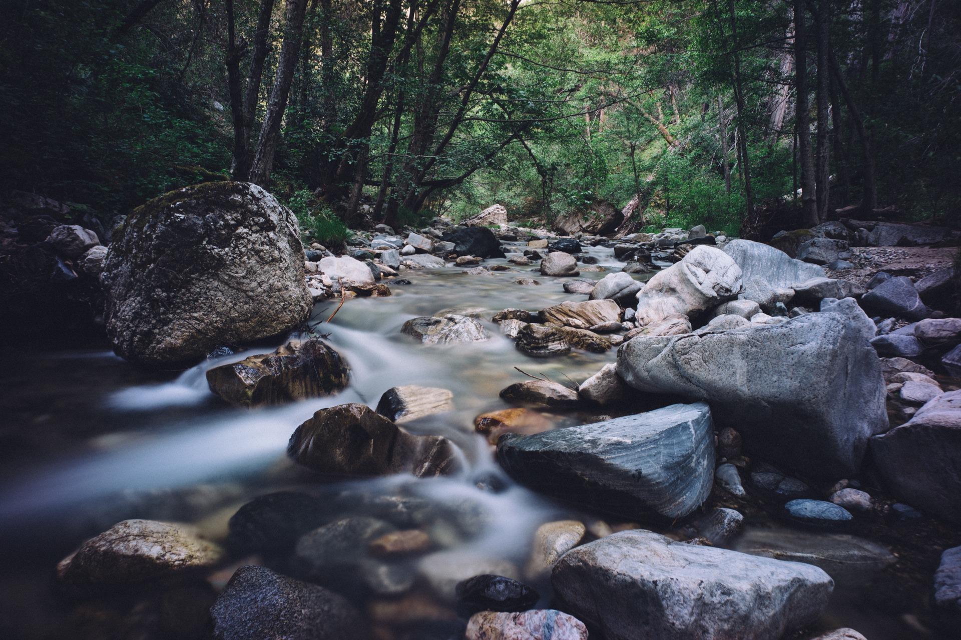 rocks-1246183_1920